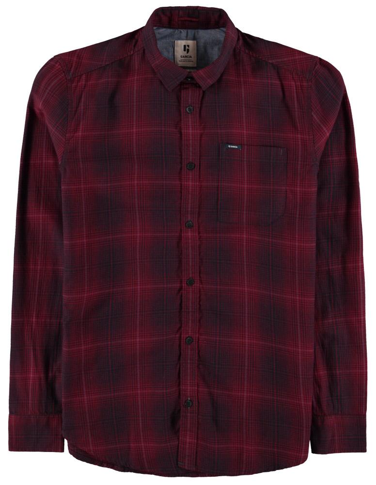 mørk rød mønstret skjorte