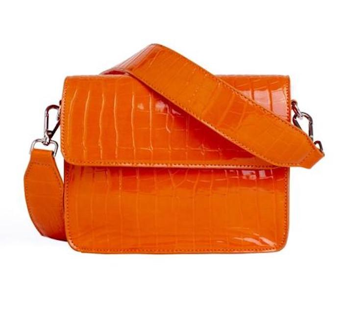 HVISK CAYMAN SHINY STRAP BAG Skulderveske orange